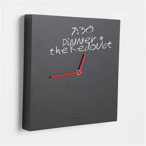 wanduhr karlsson karlsson wanduhr tafel schwarz rot kreide 32 cm