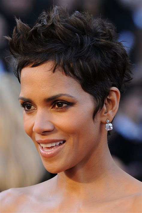 short weave hairstyles for rihanna and haille berry more pics of halle berry evening dress 40 of 69 halle