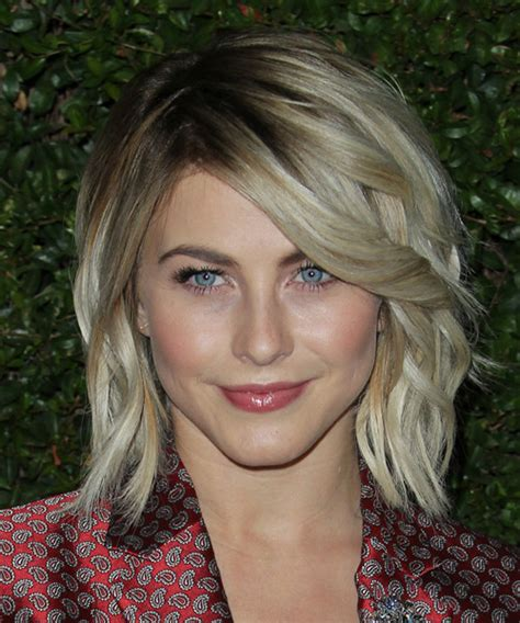 does julianne hough have thick hair julianne hough medium wavy casual hairstyle medium
