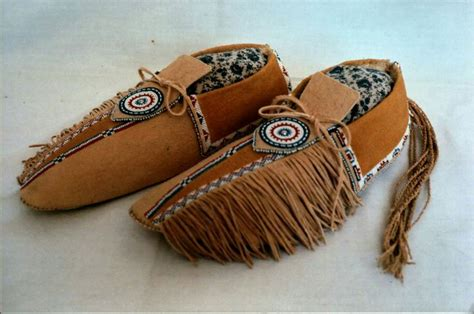 beaded moccasin vs 394 best images about american mocasins on