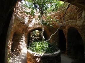 erdkabel garten forestiere underground gardens quot pull out your swords and