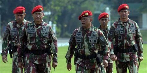 Jenderal Bersenjata Nurani indonesia militer kisah kapten kopassus ancam tempeleng voorijder arogan