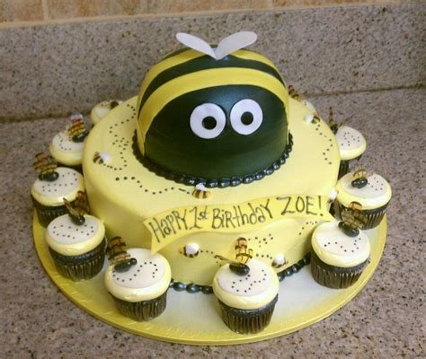 Bee Cake Decorations bumble bee cakes decoration ideas birthday cakes