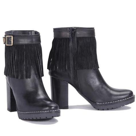 tendencias en zapatillas y zapatos 2016 otoo botas botinetas zapatos y zapatillas viamo invierno 2016