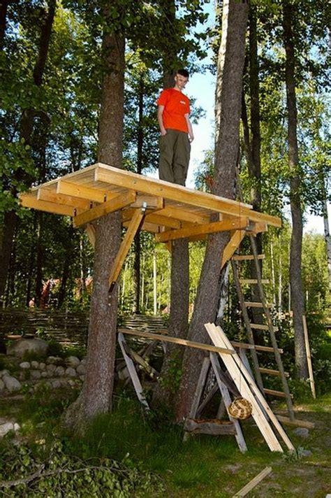How To Build A Tree House by How To Build An Awesome Treehouse Others