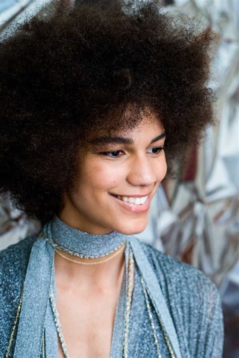 afro styling tips afro hair hacks our top tips tricks for styling