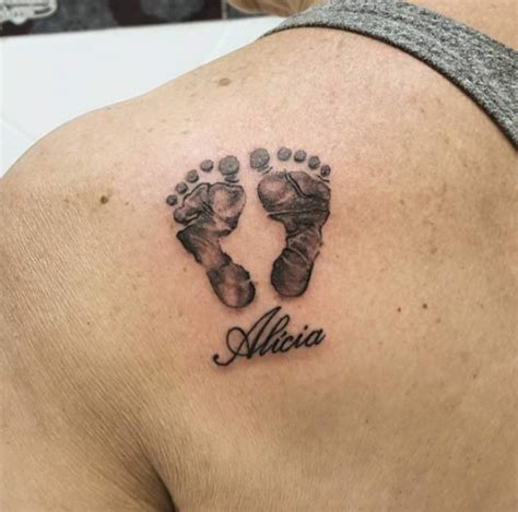 28 Brilliant Baby Tattoos For Only The Proudest Of Parents Baby Foot Tattoos For