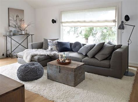 rugs that go with grey couch 1000 images about grey couch on pinterest grey grey