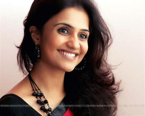 most beautiful actress in marathi film industry amruta subhash marathi actress biography photos wallpapers
