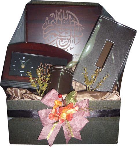 Jual Keranjang Parcel Di Bekasi jual parcel lebaran atk di bekasi 085959000628 kode pbd25 bunga mawar