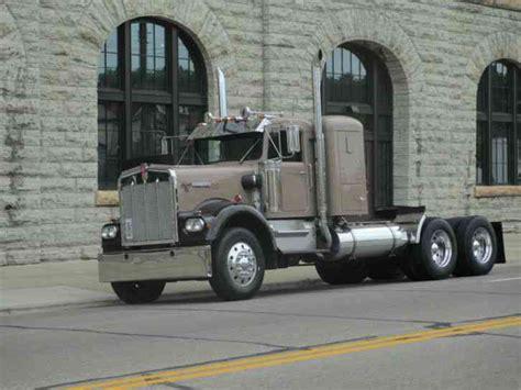 Kenworth W900a 1981 Sleeper Semi Trucks