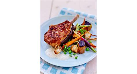 cuisiner une cote de veau recette c 244 te de veau pan 233 e 224 la chapelure de br 251 l 233