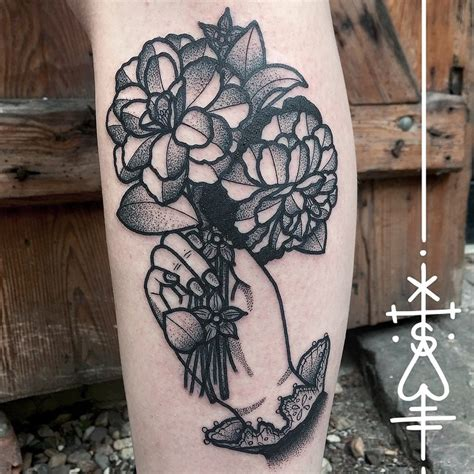 Black And Grey Flower Tattoos Best Tattoo Ideas Gallery Black And Grey Flower Tattoos