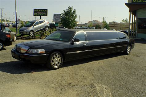 Stretch Limousine Car by 2007 Lincoln Town Car Stretch Limousine Used Car Sale