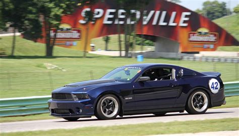 3 7l mustang road america track day 1 a 3 7l v6 mustang owner