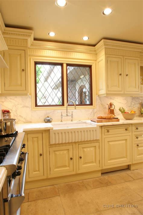 Clive Christian Kitchen Cabinets Clive Christian Kitchen In Antique Kitchen Pinterest Moldings And