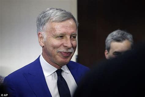 arsenal owner why kroenke rejected usmanov s 163 1bn arsenal takeover offer