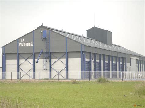 morti in construction de hangars de stockage pour bl 233 et fumier