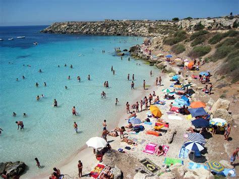 trapani porto favignana 7 spiagge da non perdere a favignana in sicilia weplaya