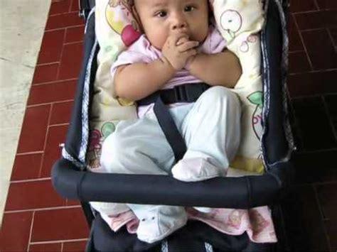 Kereta Bayi Di Makassar bayi lucu hasan nongkrong di kereta dorong troller