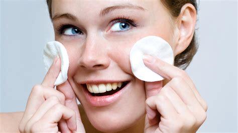 brufoli e alimentazione acne e brufoli gli errori da evitare per una pelle sana