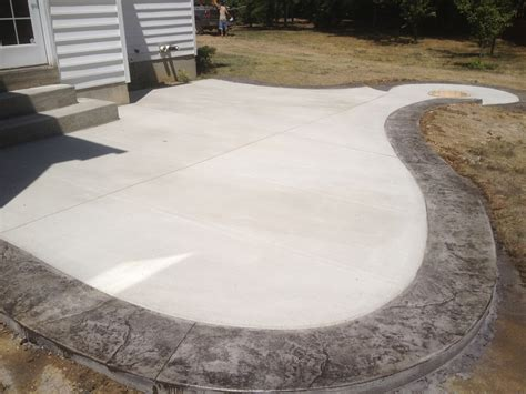 Patio Borders by Concrete Patio With Sted Border Search Our
