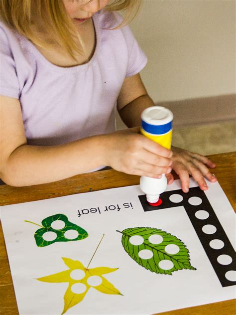 projects for preschoolers leaf activities questions