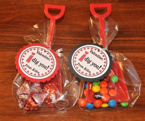 i dig you party favors i dig you valentines day favors red shovels favor tags