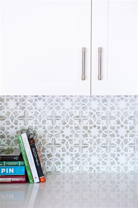 backsplash for a white kitchen 25 best ideas about backsplash tile on