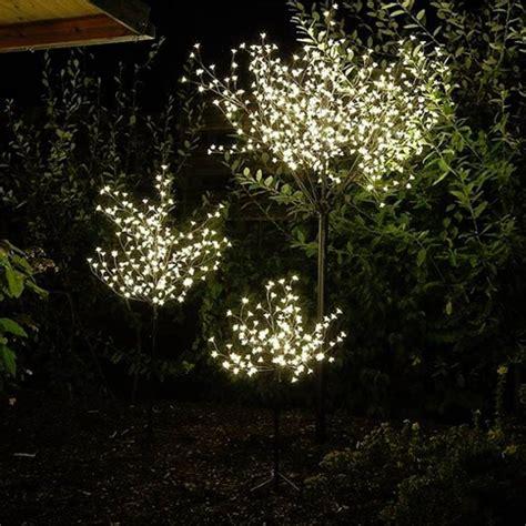 Weihnachtsdeko Garten Beleuchtet by 132 Besten Weihnachten Beleuchtung Und Deko F 252 R Garten Und