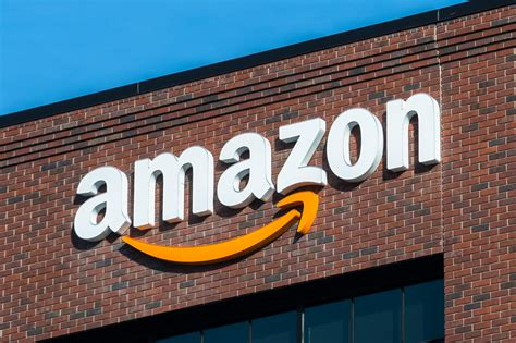 amazon  paying  disengaged employees  quit talent daily