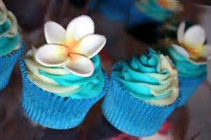 tropical frangipani cupcakes i ll be exhibiting my cakes flickr