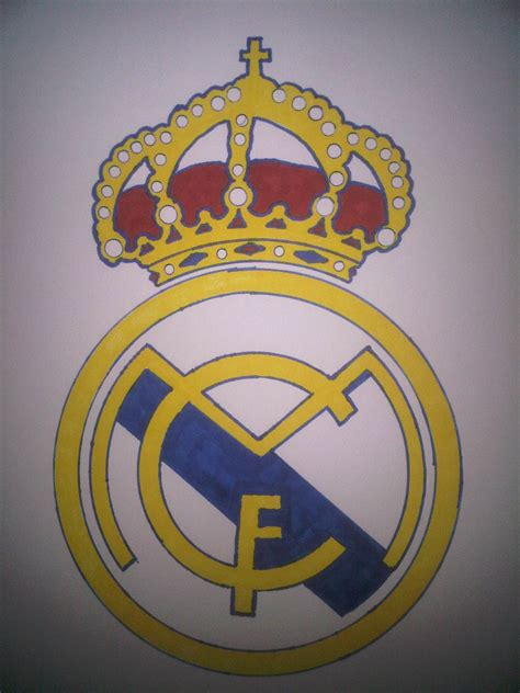 how to draw the real madrid logo using ballpoint pens how to draw the real madrid logo c 243 mo dibujar el logo del