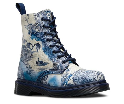 blue pattern dr martens not clay but the willow pattern appears on doc