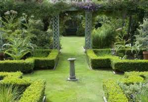 Formal Garden Designs - formal garden design ideas for small outdoors home n gardening tips