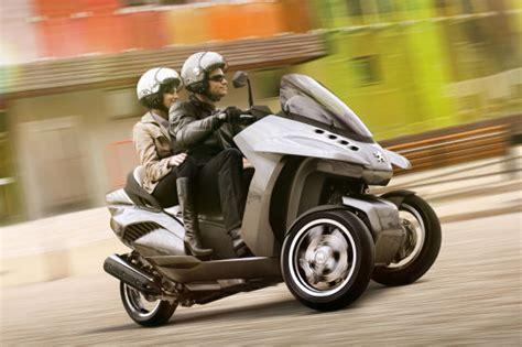 Dreirad Motorrad Vergleich by Hybrid Dreirad In Mailand Autobild De