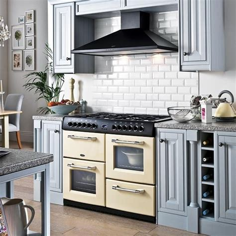 Kitchen Designs With Range Cookers by Range Cooker Subway Tiles Kitchen Ideas