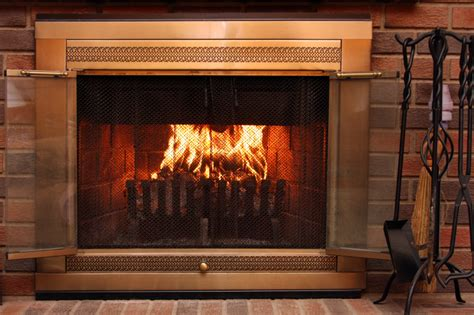 Wood In Gas Fireplace by Gas Vs Wood Burning Fireplaces What S Better Zing