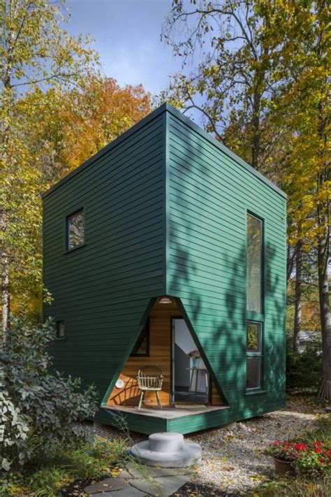 small house cabin little green cabin modern guest house tiny house pins