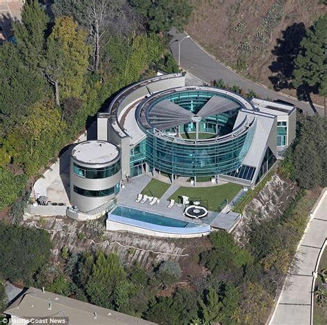 Justin Bieber House by Justin Bieber S 60k Per Month La Mansion Trashed After