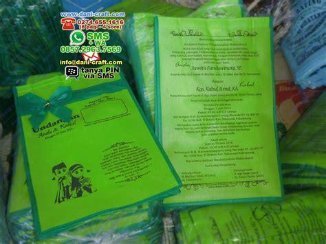 Kain Spunbond Palembang undangan pernikahan palembang unik murah souvenir pernikahan