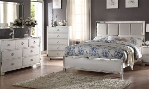 arranging bedroom furniture how to arrange furniture in a bedroom overstock com