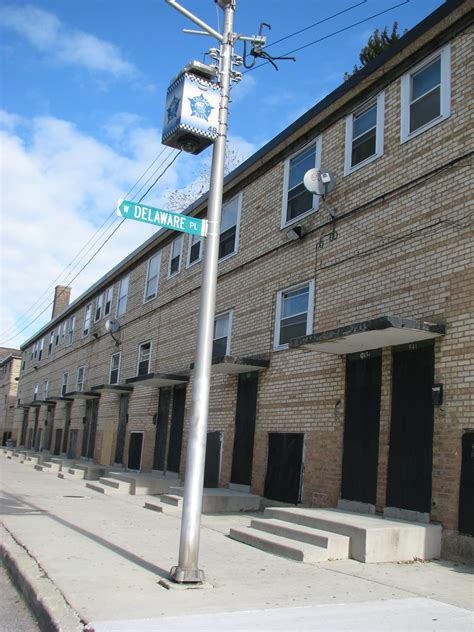cabrini green row houses cabrini rowhouses fate in jeopardy we the media