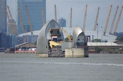 thames barrier design construction thames barrier woolwich 1982 structurae