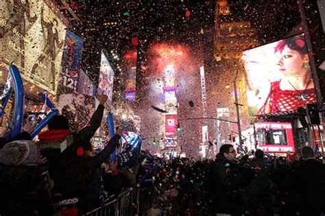 times square new years eve bathroom facilities don t miss the top 10 tips to fully enjoy new year s eve