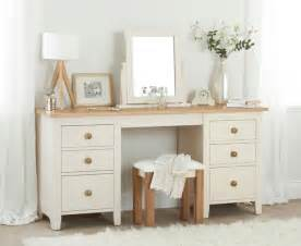 bedroom dressing tables 25 best ideas about bedroom dressing table on pinterest makeup vanity tables vanity area and