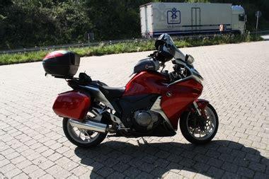 Motorrad Honda Vfr 1200 by Umgebautes Motorrad Honda Vfr 1200 F Erniebeanie