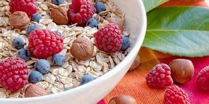 Quaker Oatmeal Instan Membantu Menurunkan Kolestrol 800gr 7 manfaat oatmeal yang ajaib manfaat folavit folamil genio natur e e you c1000