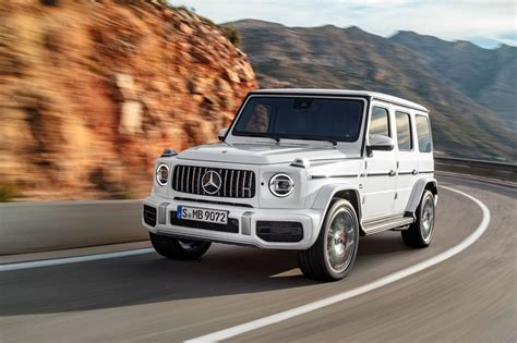 Mercedes G News by New Mercedes Amg G63 Behemoth 4x4 Gets A 577bhp