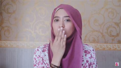 tutorial jilbab natasha farani segi empat tutorial hijab paris segi empat mudah dan cantik